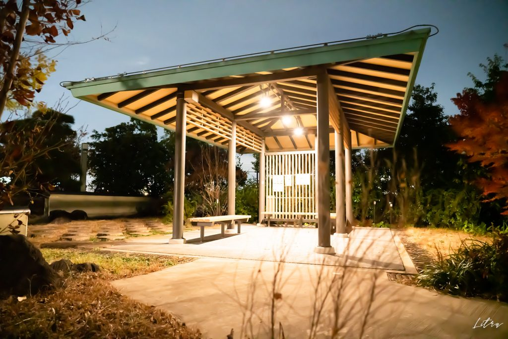 和風のデザインの休憩所