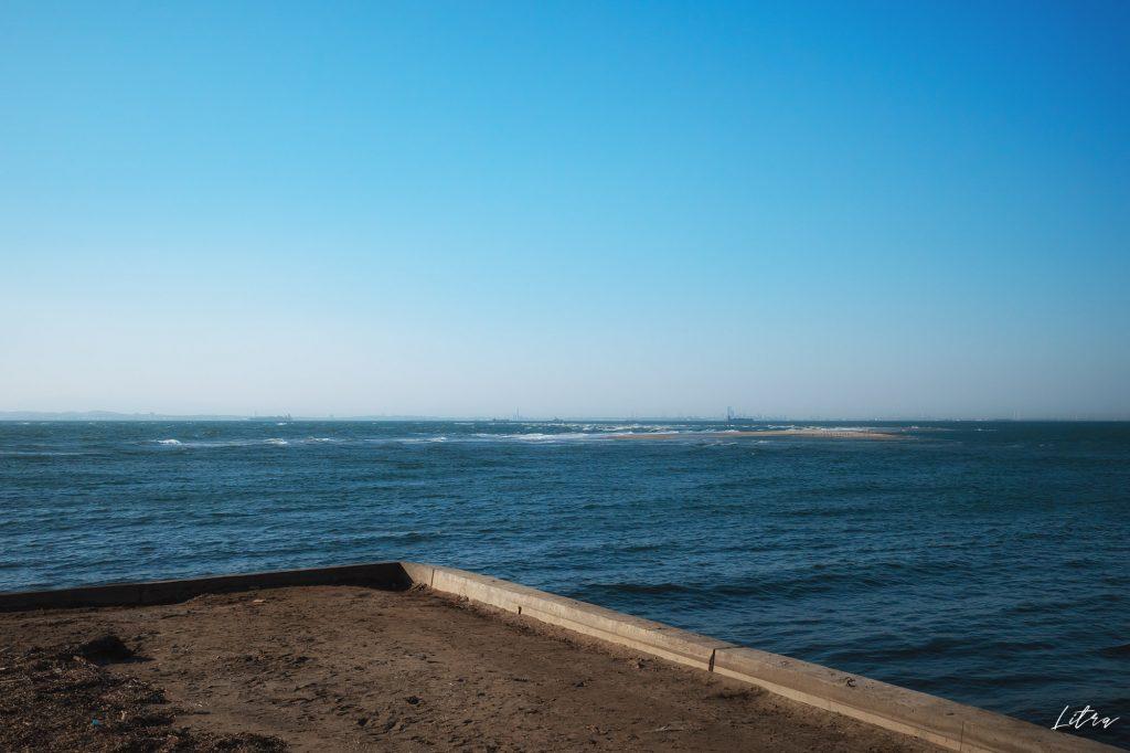 富津公園から見る横浜市方面