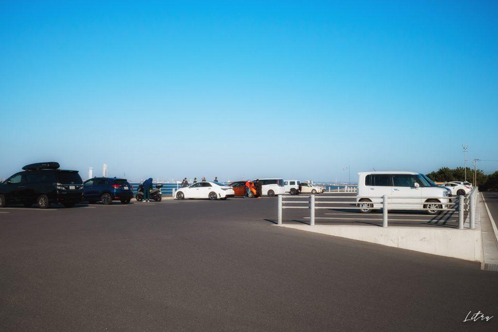 大きな駐車場も完備